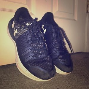 under armour navy blue volleyball shoes!🏐